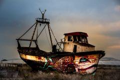 Barco varado en al salina